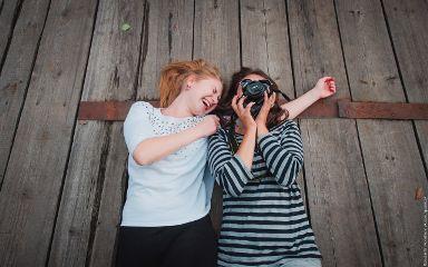 friends summer photostory emotions
