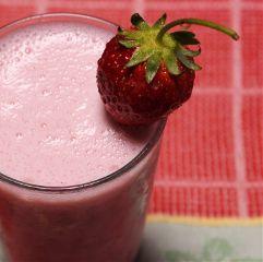 japan juice drink strawberies strawberryshake